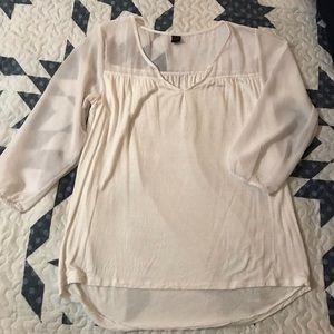White ladies blouse. Sz L.